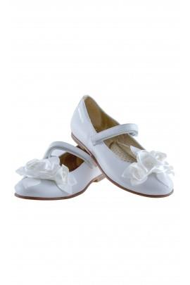 Pantofelki białe z zapięciem na rzep, Monnalisa