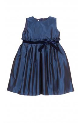 Granatowa sukienka, Mariella Ferrari