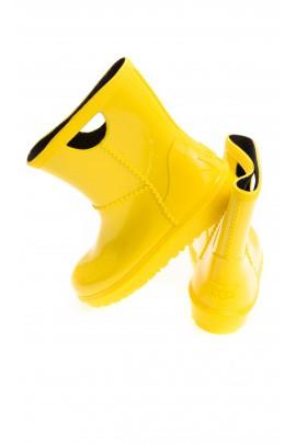 Żółte kalosze, UGG