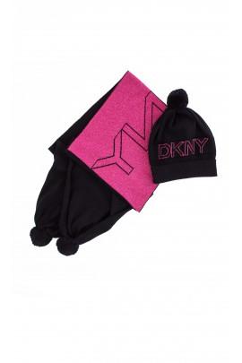 Czarna czapka, DKNY